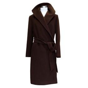 品牌羊绒大衣专卖店中销售人员的培训也是极其的重要